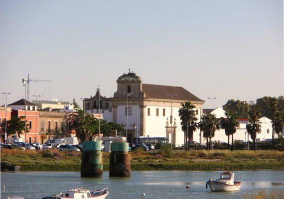 Firma de contrato de compraventa en el Puerto de Santa María
